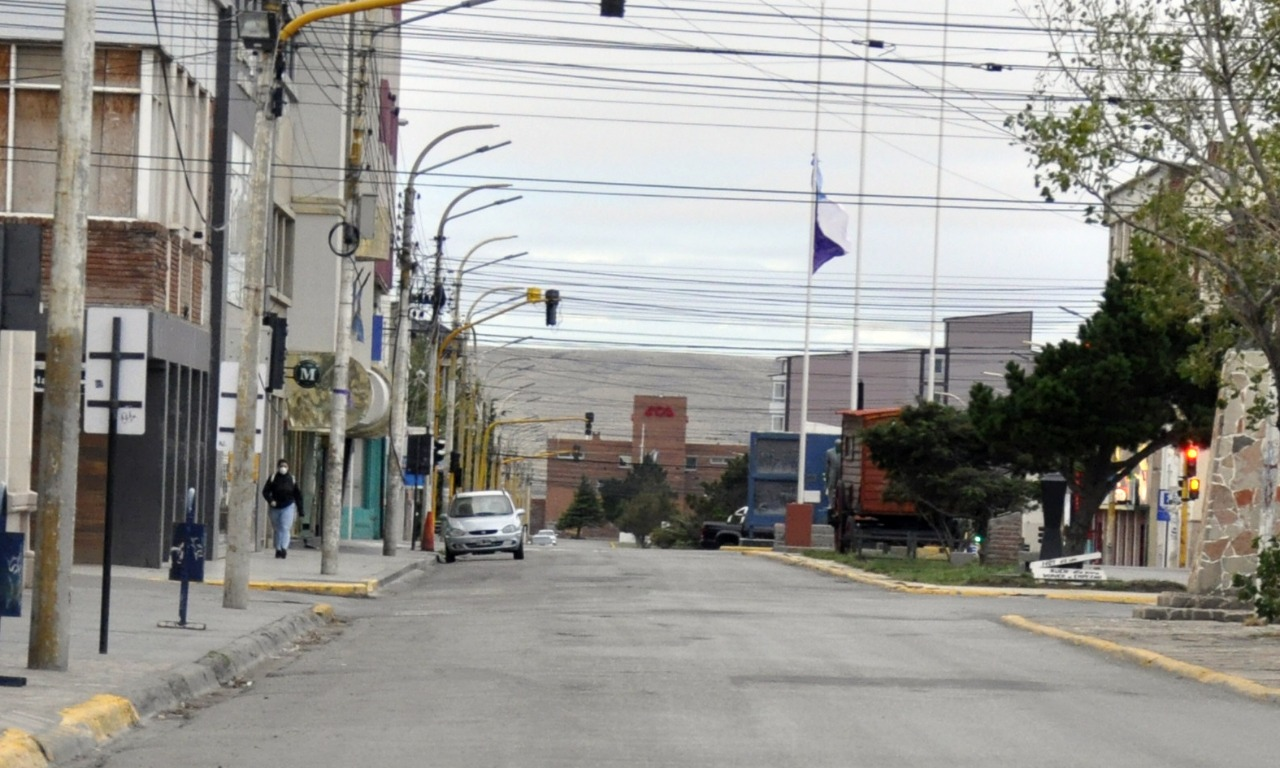 El edificio del Automóvil Club Argentino es un obstáculo visual de la montaña.