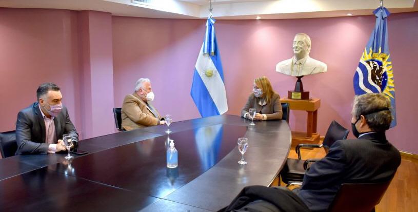Durante uno de sus últimos viajes a la Ciudad de Buenos Aires, la Gobernadora se reunió con directivos de London Supply