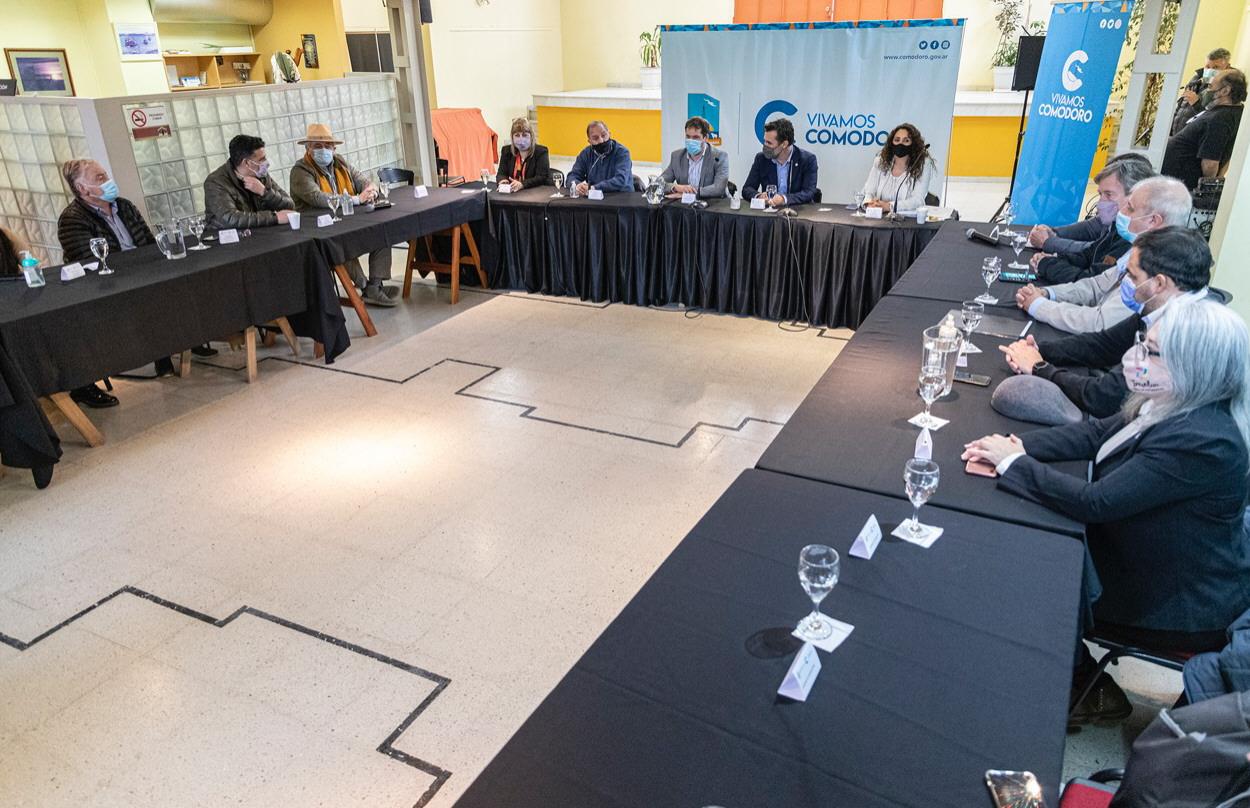 También hubo un encuentro con intendentes y legisladores de la región sur.
