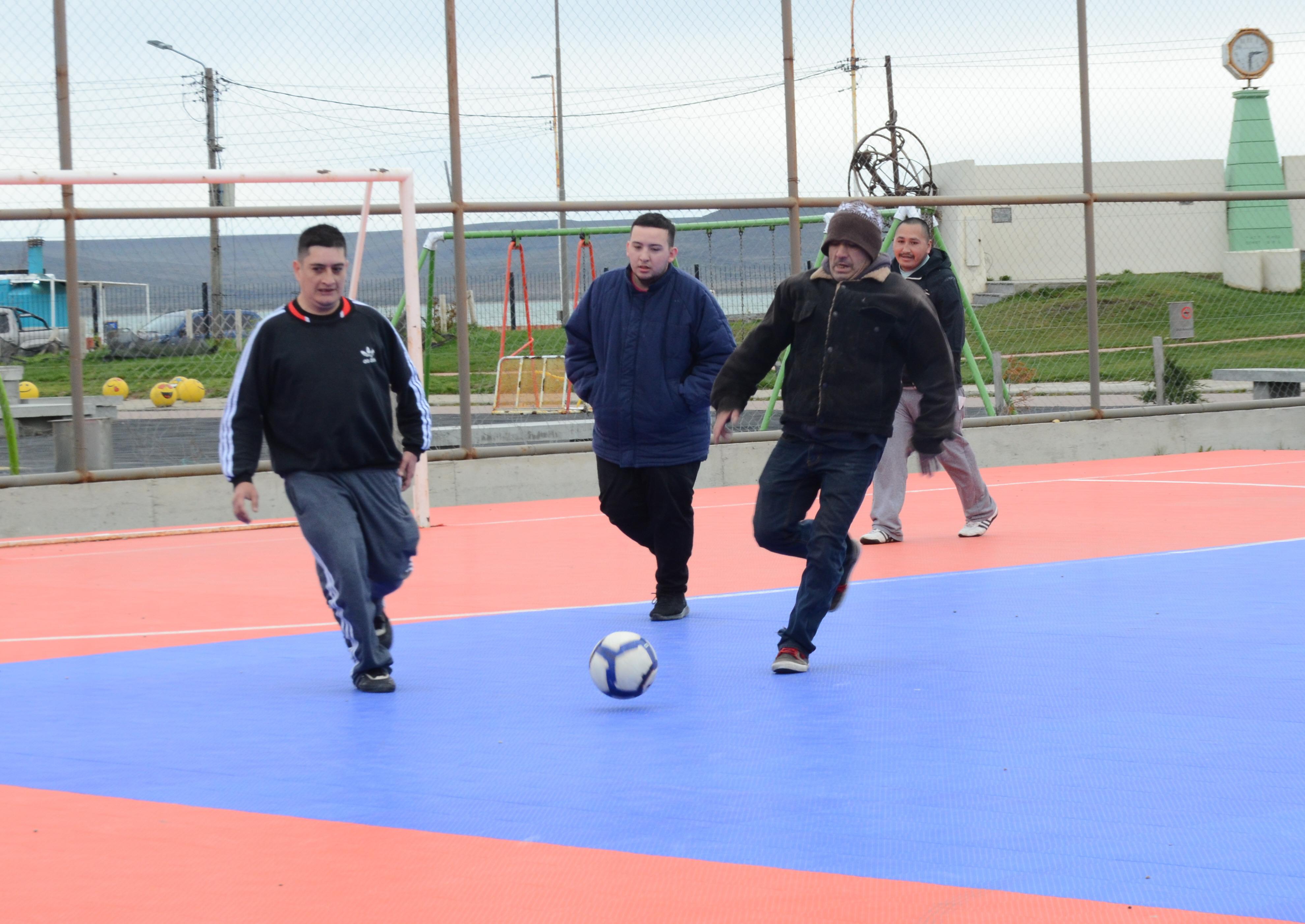 El taller de Deportes es una de las propuestas del proyecto 'Ocupándonos'.