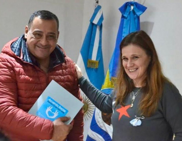 Junto a Paola Vessvessian